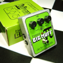 bass-big-muff-pi-review-photo-1
